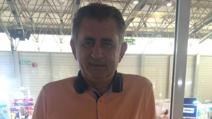 Ümit Zileli, İzmir'de gözaltına alınıp serbest bırakıldı (2)