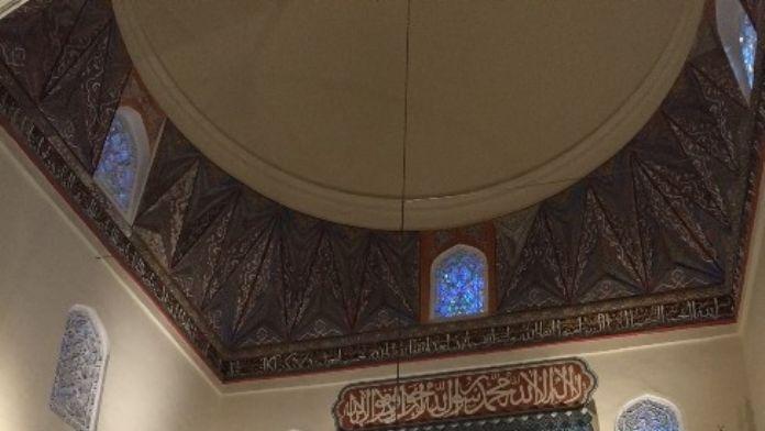 Yeşil Cami Aydınlandı
