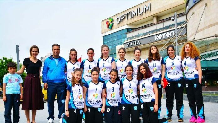 Optimum AVM Adana Voleybol Spor Kulübü'ne Forma Sponsoru Oldu