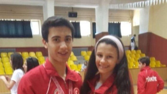 Kağıtsporlu Oyunculardan İki Altın Madalya