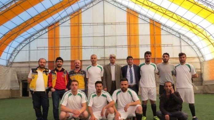 Öğretmenler Turnuvasında Kaymaklık Yarı Finalde