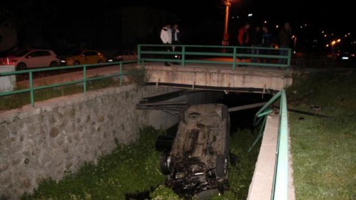 Zonguldak'ta otomobil dereye uçtu: 2 yaralı