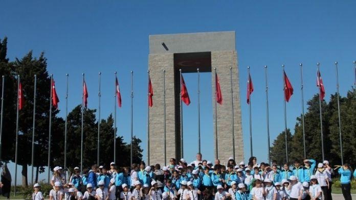 Spor Okulu Öğrencileri Çanakkale Şehitliği'ni Ziyaret Etti