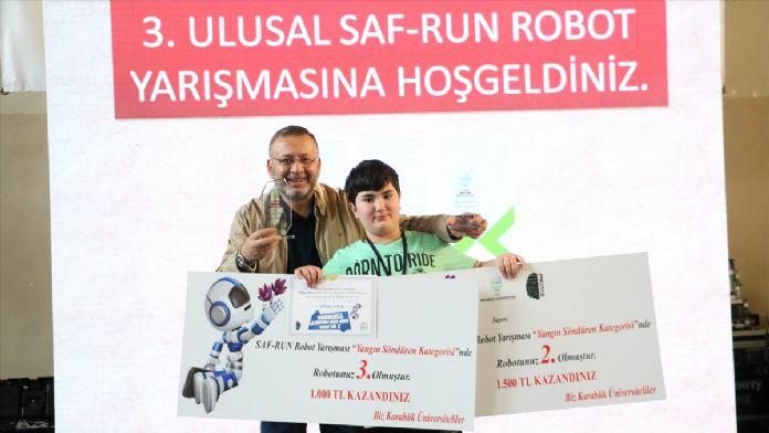 Üniversitede robotlar yarıştı