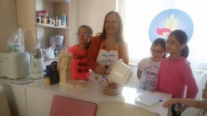 Çölyaklı Çocuklara Glutensiz Dondurma