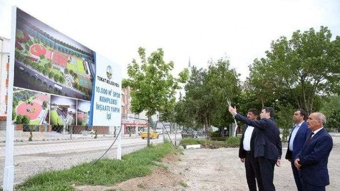 Başkan Eroğlu, Semt Spor Kompleksi İçin Süre Verdi
