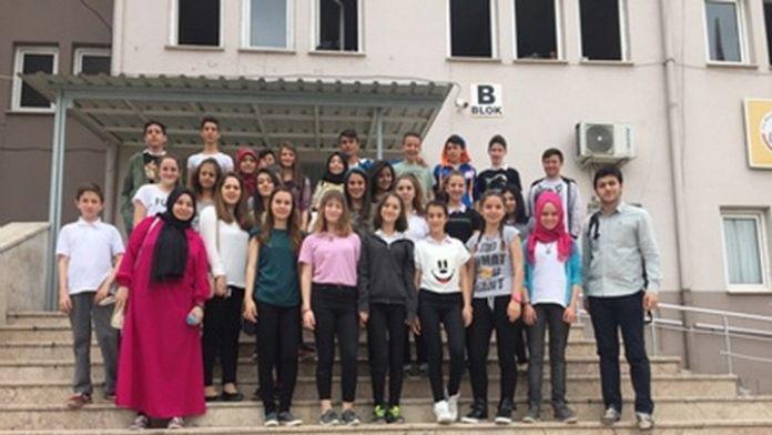 SAÜ Sosyal Hizmet Bölümü Öğrencilerinden Madde Bağımlılığı Farkındalık Projesi