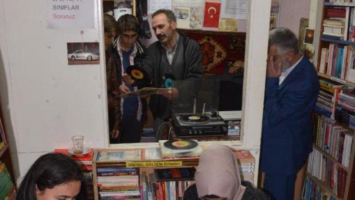 Erzurumlu sahaftan plak günleri