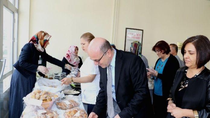 Toplum Ruh Sağlığı Merkezinde Tedavi Gören Hastalar İçin Kermes Düzenlendi