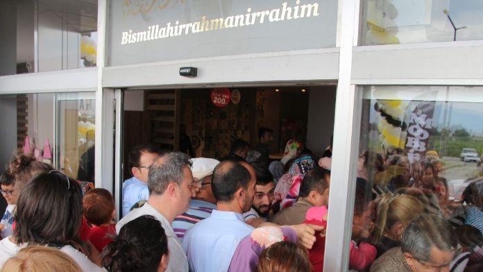 Aydın'da 'ucuzluk' izdihamı
