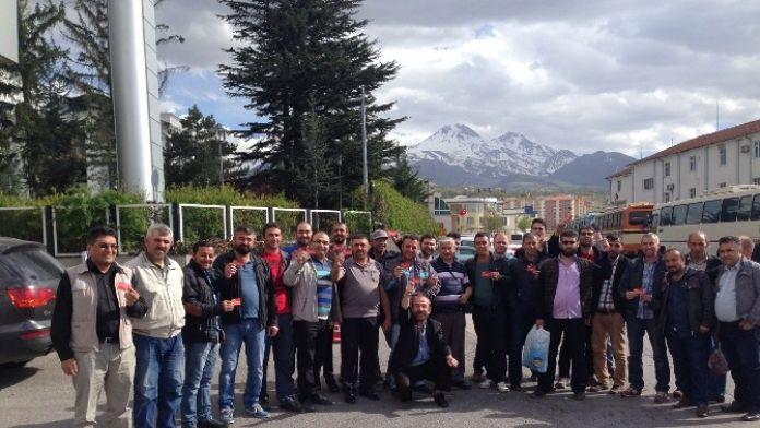 Türk Metal Sendikasından Üyelerine 100 Milyon Liralık Eğitim Yardımı