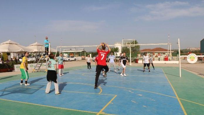 Bursagaz Voleybol Turnuvası Başladı