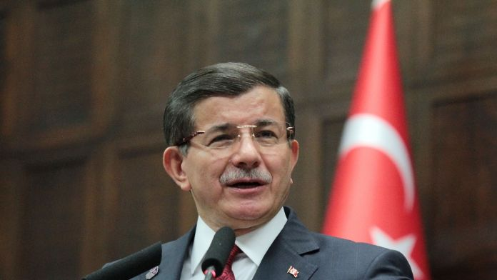 Davutoğlu: 'PYD, DEAŞ ve Esad işbirliği içinde.'