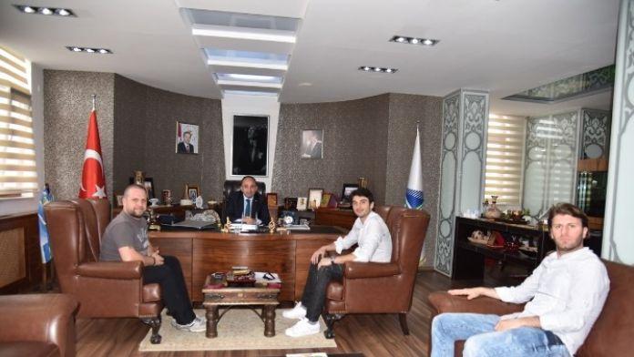 Galatasaraylı Kaleci Cenk Başkan Üzülmez'i Ziyaret Etti