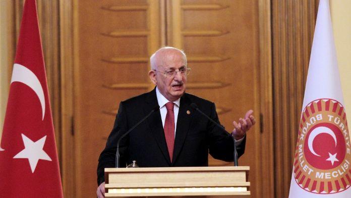 Meclis Başkanı Kahraman'dan flaş açıklama