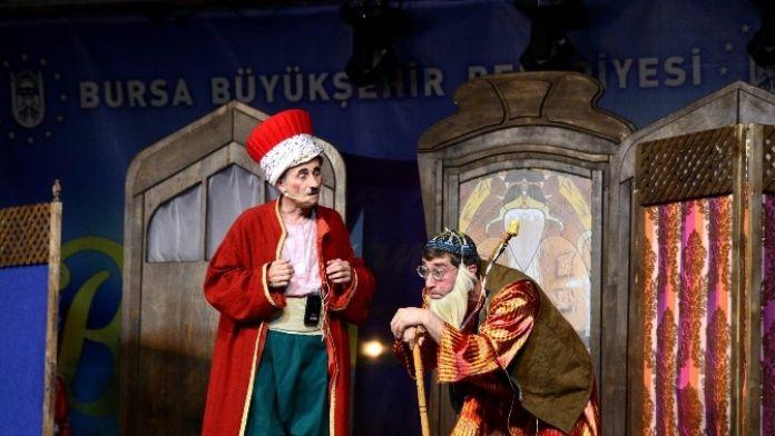 Bursa Şehir Tiyatrosu Yavru Vatanda