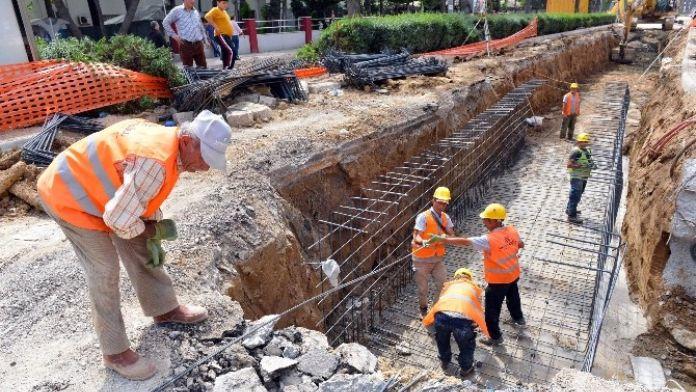 Manavgat'ta Yağmursuyu Çalışmaları Devam Ediyor