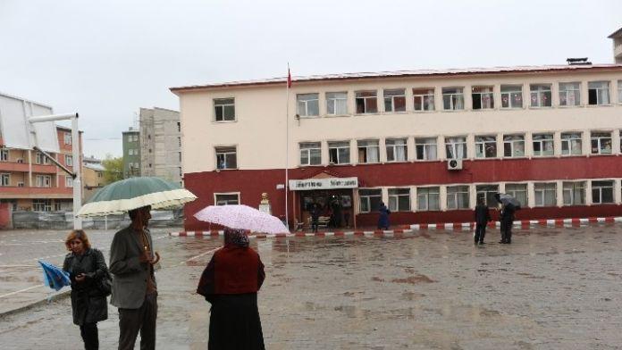 Ağrı'da 11 Bin 589 Öğrenci Sınava Girdi