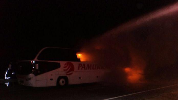 Denizli'de yolcu otobüsü yandı