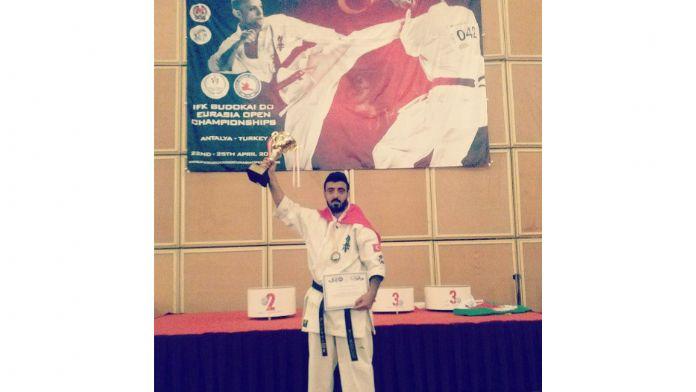 Bursalı karateciden uluslararası şampiyonluk