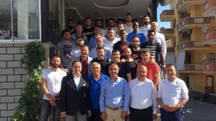 Alanyaspor'lu Oyuncular Yemekte Buluştu