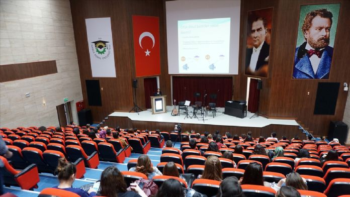 NKÜ'de 'Her Yönüyle Otizm' konferansı