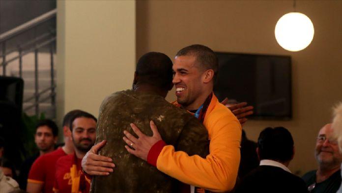 Şampiyonluğu Galatasaraylılar Derneği'nde kutladılar
