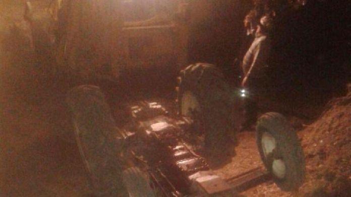 Traktörün altında kalıp öldü, yakınları buldu
