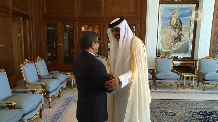 Davutoğlu Katar Emiri'yle görüştü
