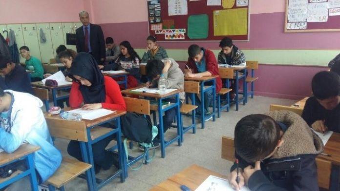 Ahlat'ta TEOG Sınavları Sorunsuz Tamamlandı
