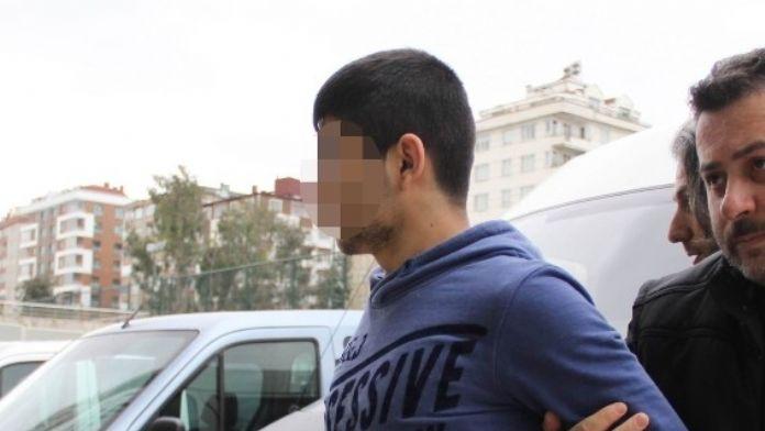 Karısını 7 Yerinden Bıçaklayan Kocaya 3 Yıl 1.5 Ay Hapis