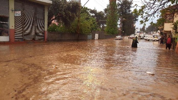 Osmaniyede Şiddetli Yağmur Hayatı Felç Etti