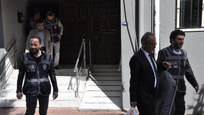 'Paralel yapı' iddiasıyla tutuklanan Şifa Üniversitesi Rektörü Ateş tahliye edildi