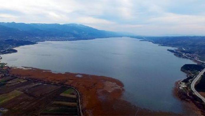 Sapanca Gölü'nde su seviyesi 32 metreyi geçti