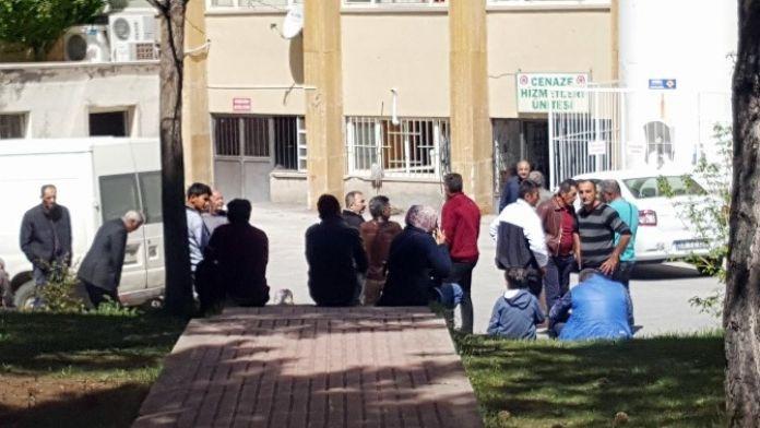 Sivas'ta Çatıdan Düşen İşçi Öldü