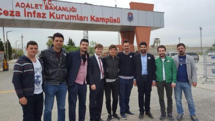 CHP'li genç, Cumhurbaşkanı Erdoğan'a hakaretten tutuklandı - ek fotoğraf