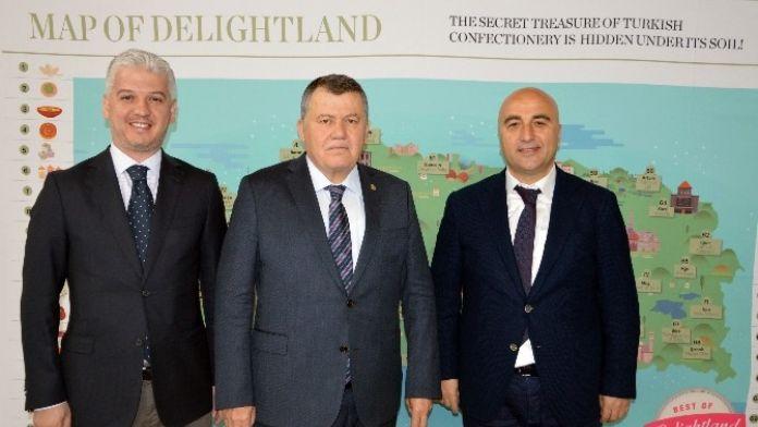 Yargıtay Başkanı Cirit: 'İnsan Varlığının En Somut İfadesi Sanattır'