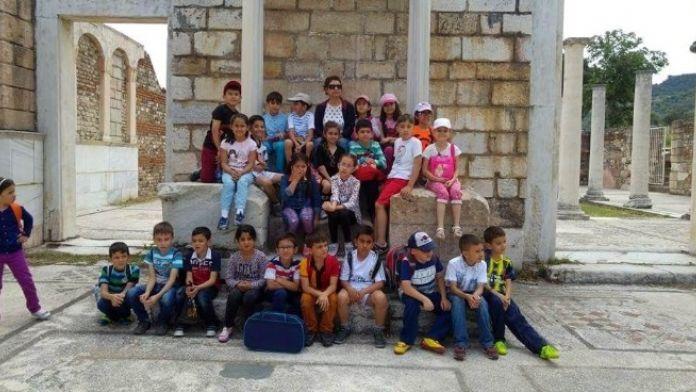 Salihli'de Miniklerden Tarihi Gezi