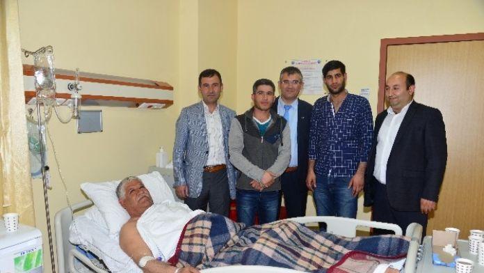 İl Göç İdaresi Personeli Iraklı Hussaın'ı Ziyaret Etti