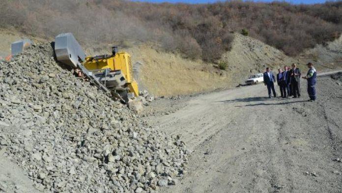 Tokat'ta köy yolları mayınlı saldırıya karşı asfaltlanacak