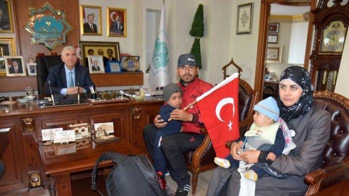 Erdoğan'a Teşekkür İçin Yola Çıkan Suriyeli Aile Aksaray'da