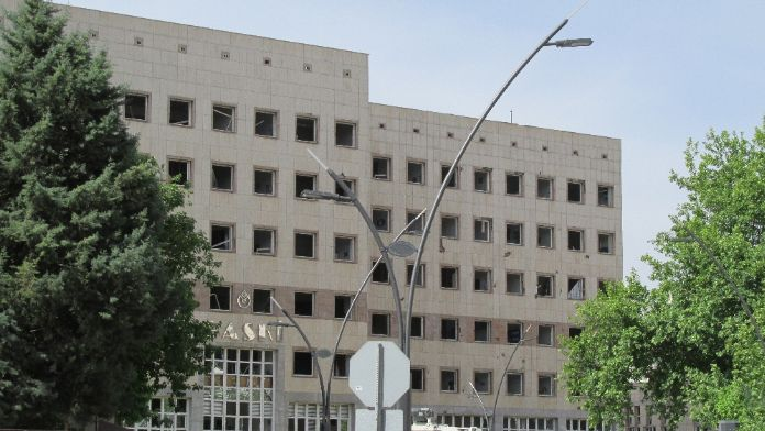 Gaziantep Valisi: 1 şehit, 9'u polis, 13 yaralı var