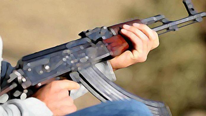 PKK'lılar karakola malzeme götüren aracı yaktı