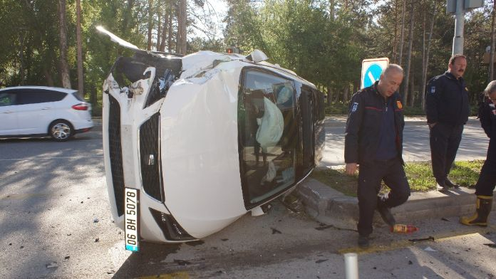 Başkent'te trafik kazası: 4 yaralı