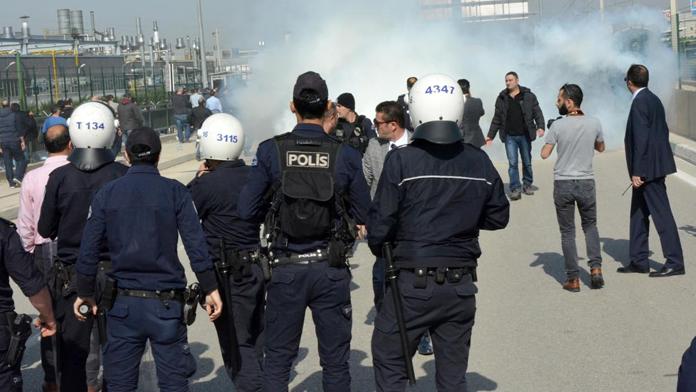 Bakırköy'de HDP'li gruba polis müdahalesi