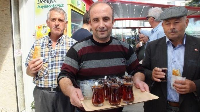 Burhaniye'de Şakir Cihan Zeytincilerin Gönlünde Taht Kurdu
