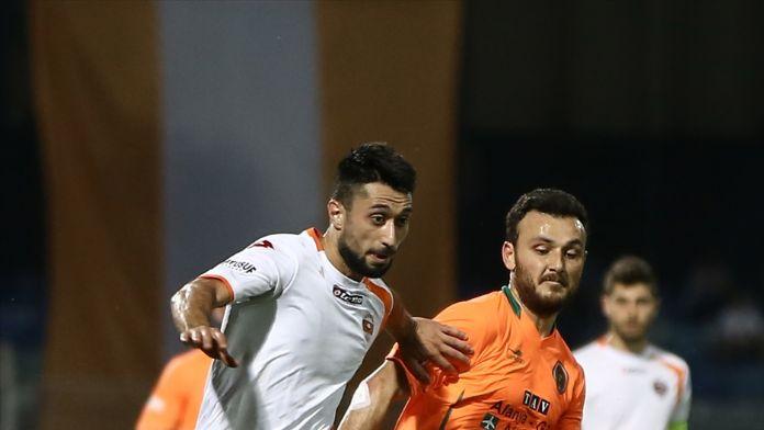 Adanaspor, şampiyonluk kupasını kaldırdı
