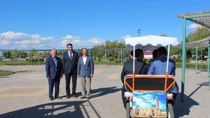 Beyşehir'inyürüyen Tanıtım Araçları İlgi Çekiyor