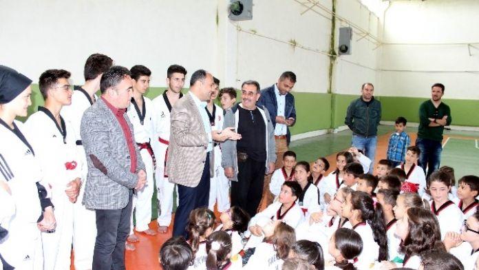Beyşehir'de Geleceğin Şampiyon Tekvandocuları Yetişiyor