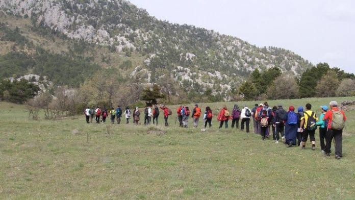 Çamlık Mağaralarını Tanıtmak İçin Yürüdüler